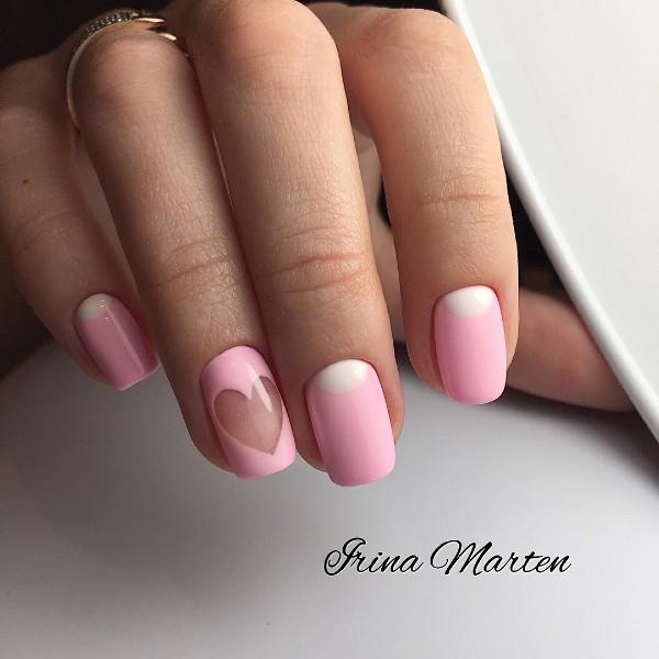 розовый маникюр с прозрачным сердцем и белыми лунками