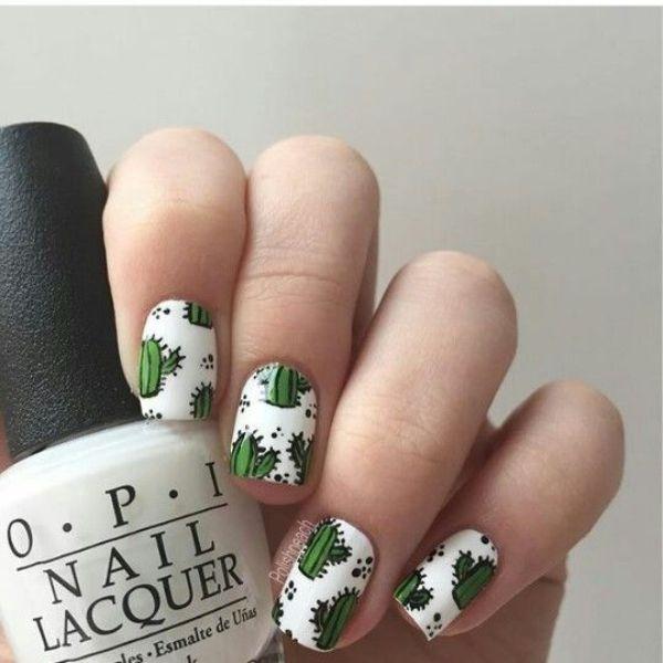 бело-зеленый маникюр кактусы