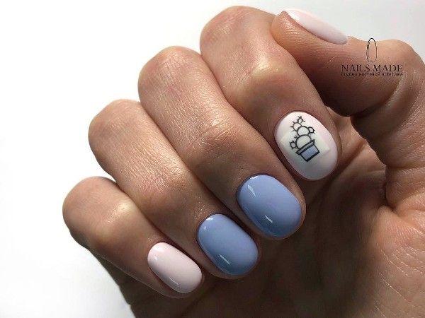 бело-голубой маникюр кактус