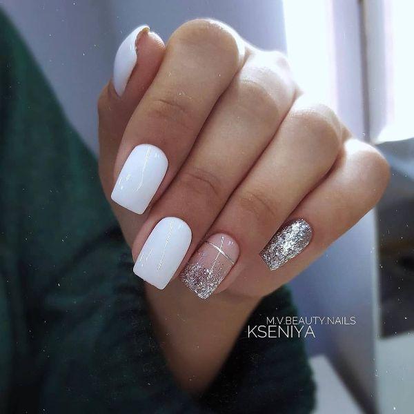 белый дизайн ногтей с блестками серебро