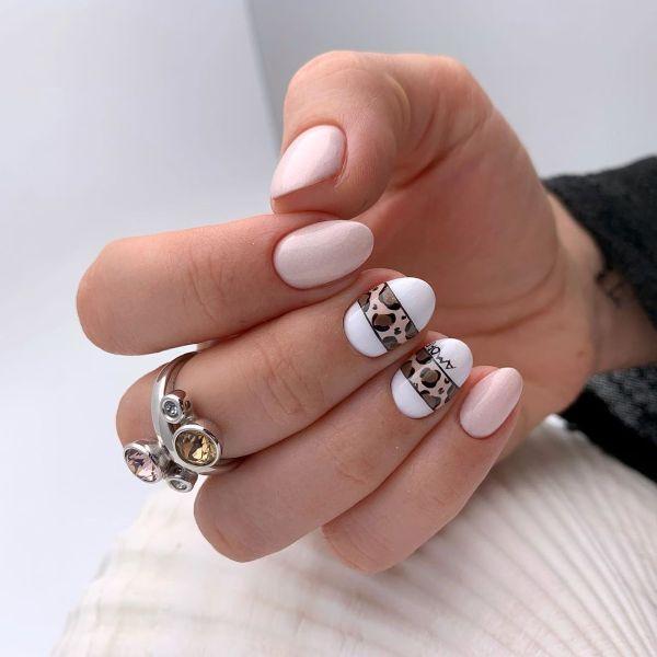 белый дизайн ногтей леопардовый