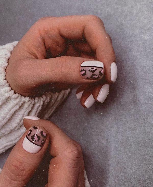 маникюр в белом цвете на ногтях квадрат и с леопардовыми пятнами