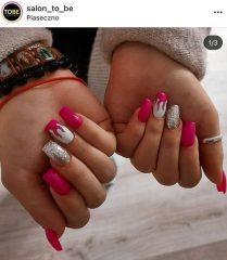 розовый оттенок фуксия на ногтях с дизайном пламя
