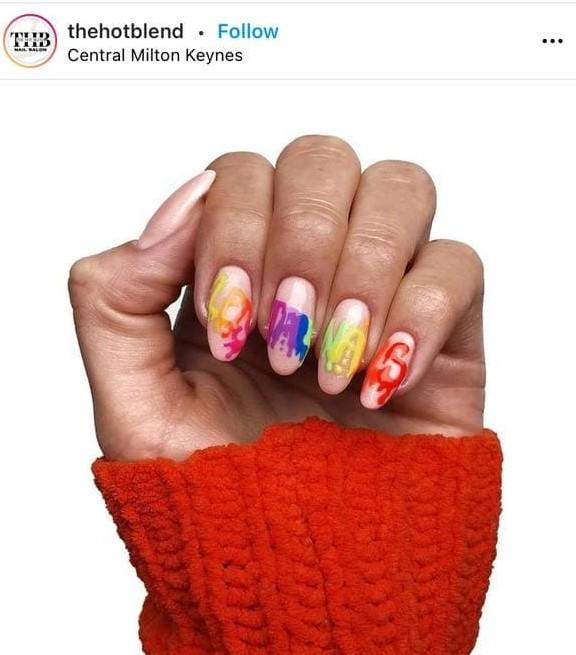 маникюр граффити на ногтях
