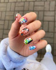 граффити на ногтях